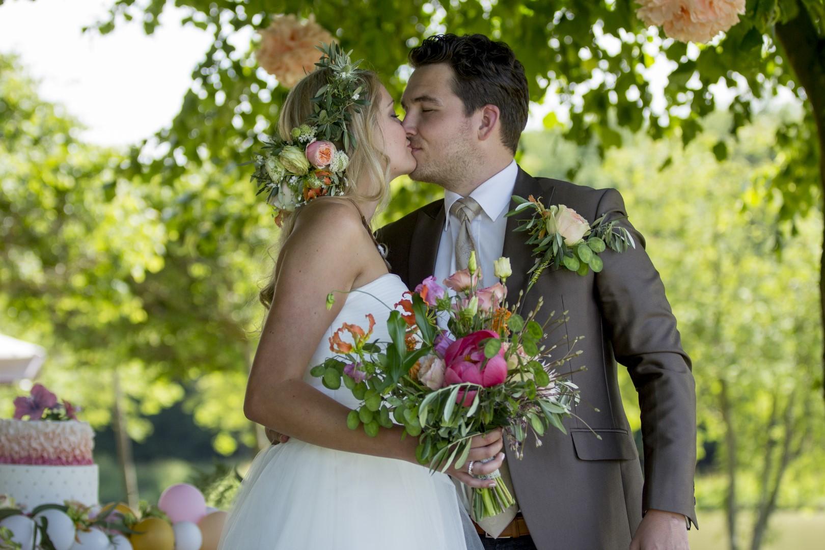 bruidsboeket-borger-gasselte-wedding-bruidsbloemen-veldboeket