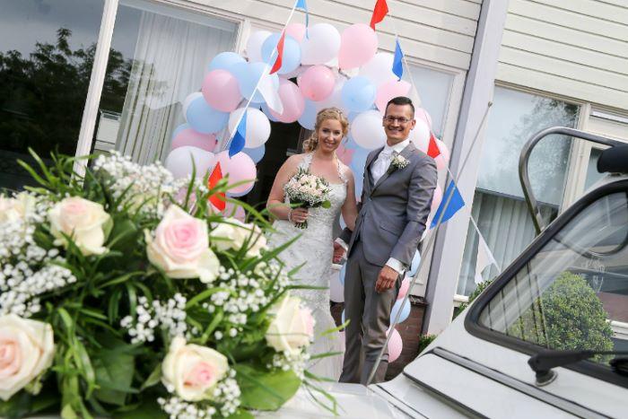 bruidsboeket-gerbera-rozen-roze-bijzonder-borger-bloemenzaak1