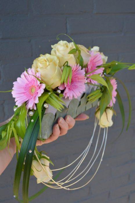 bruidsboeket-gerbera-rozen-roze-bijzonder-borger-bloemenzaak