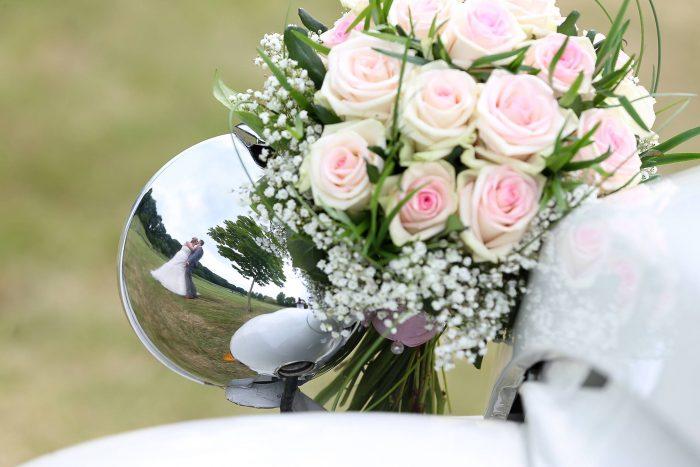 roze-rozen-biedermeier-bruidsboeket-hoogeveen