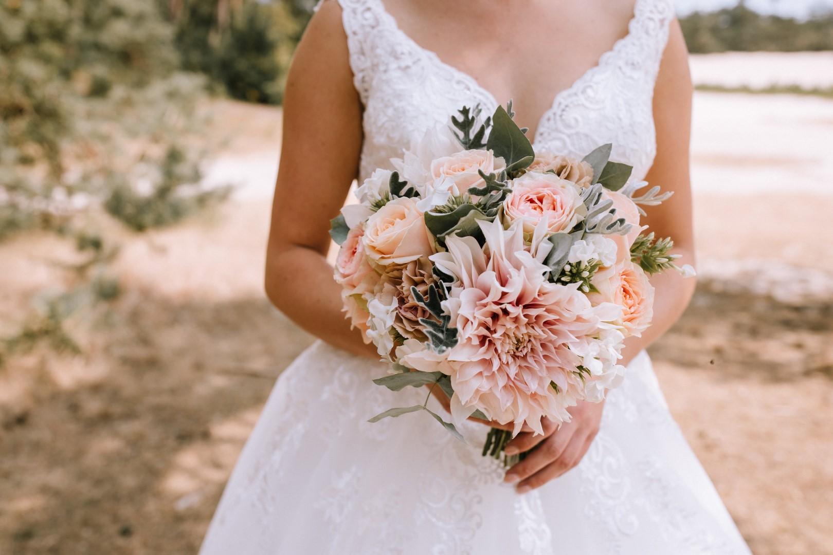 bruidsboeketten_boho_style_assen_broger_dalfsen_bruidsbloemist_bloemist_nummer_1_in_bruidsboeketten