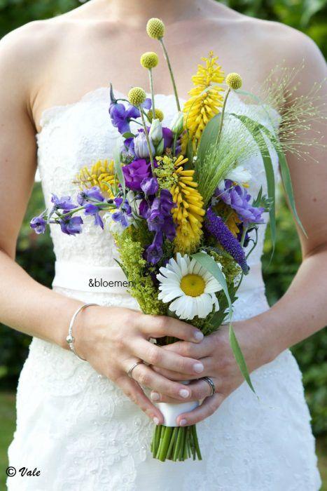bruidsboeket-loes-drenthe-bloemist-borger-veldboeket