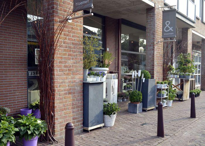 Een mooi huis met bloemen woonaccessoires for Woonaccessoires winkel